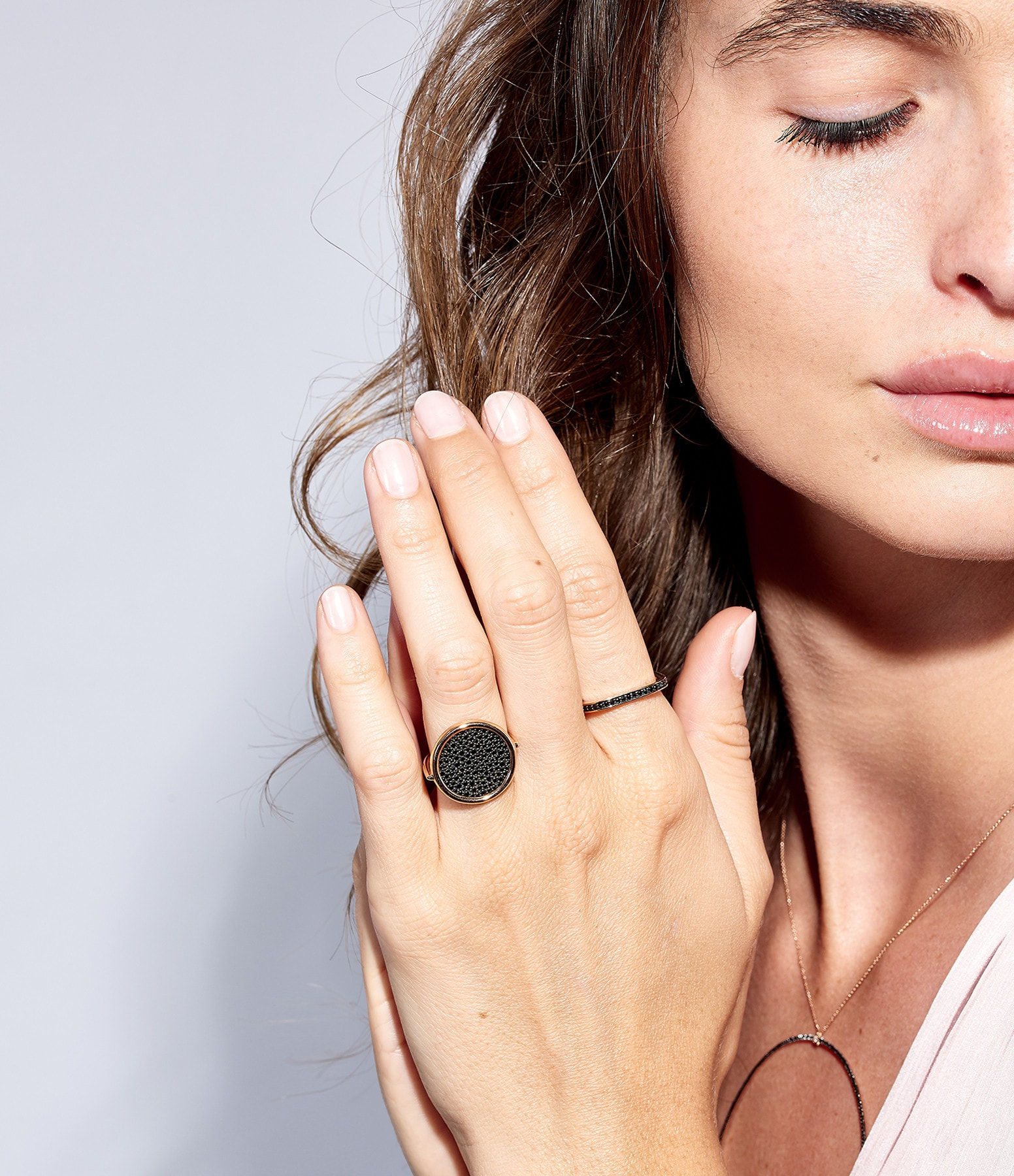 GINETTE NY - Bague Ever Large Disc Diamants Noirs