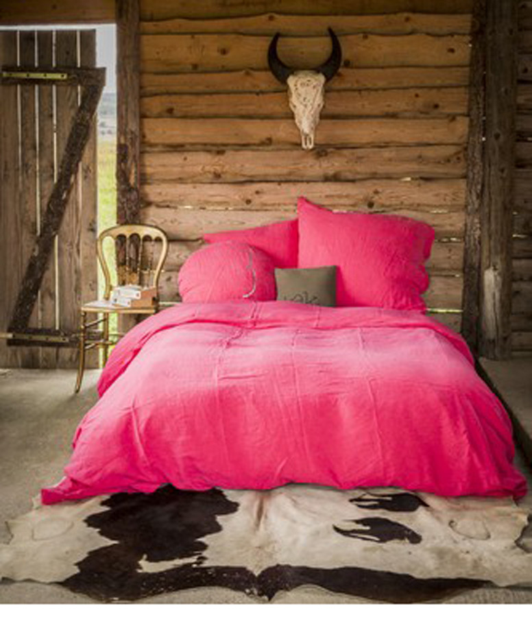 BED AND PHILOSOPHY - Grand Coussin Hug Lin Rose Fluo Croix Argenté