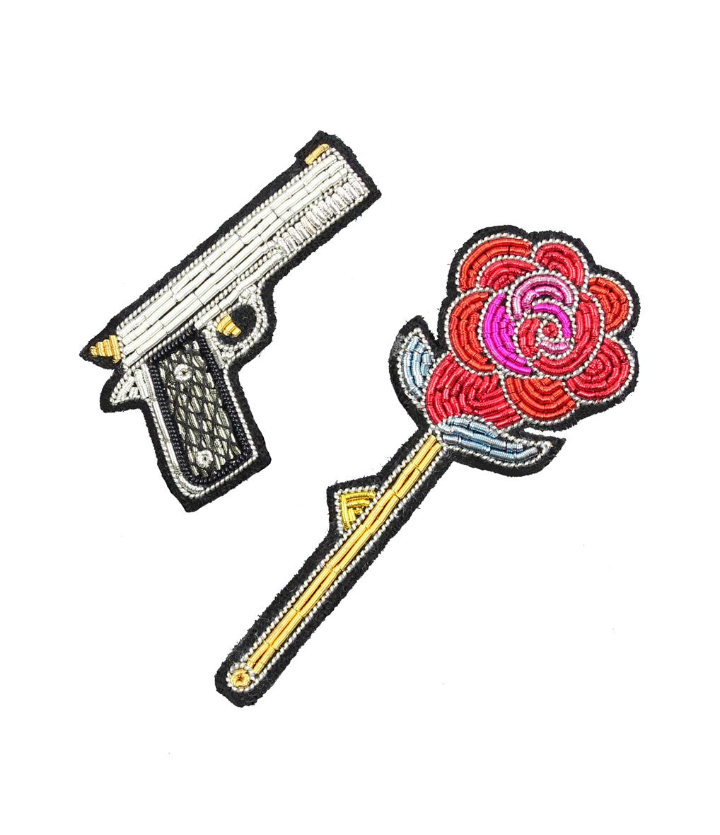 Lot de 2 Broches Brodées Main Gun & Rose