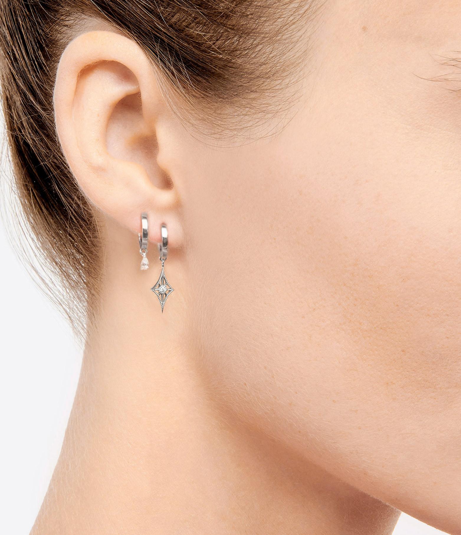 NAVA JOAILLERIE - Boucle d'oreille Cheyenne Losange Or Blanc (vendue à l'unité)
