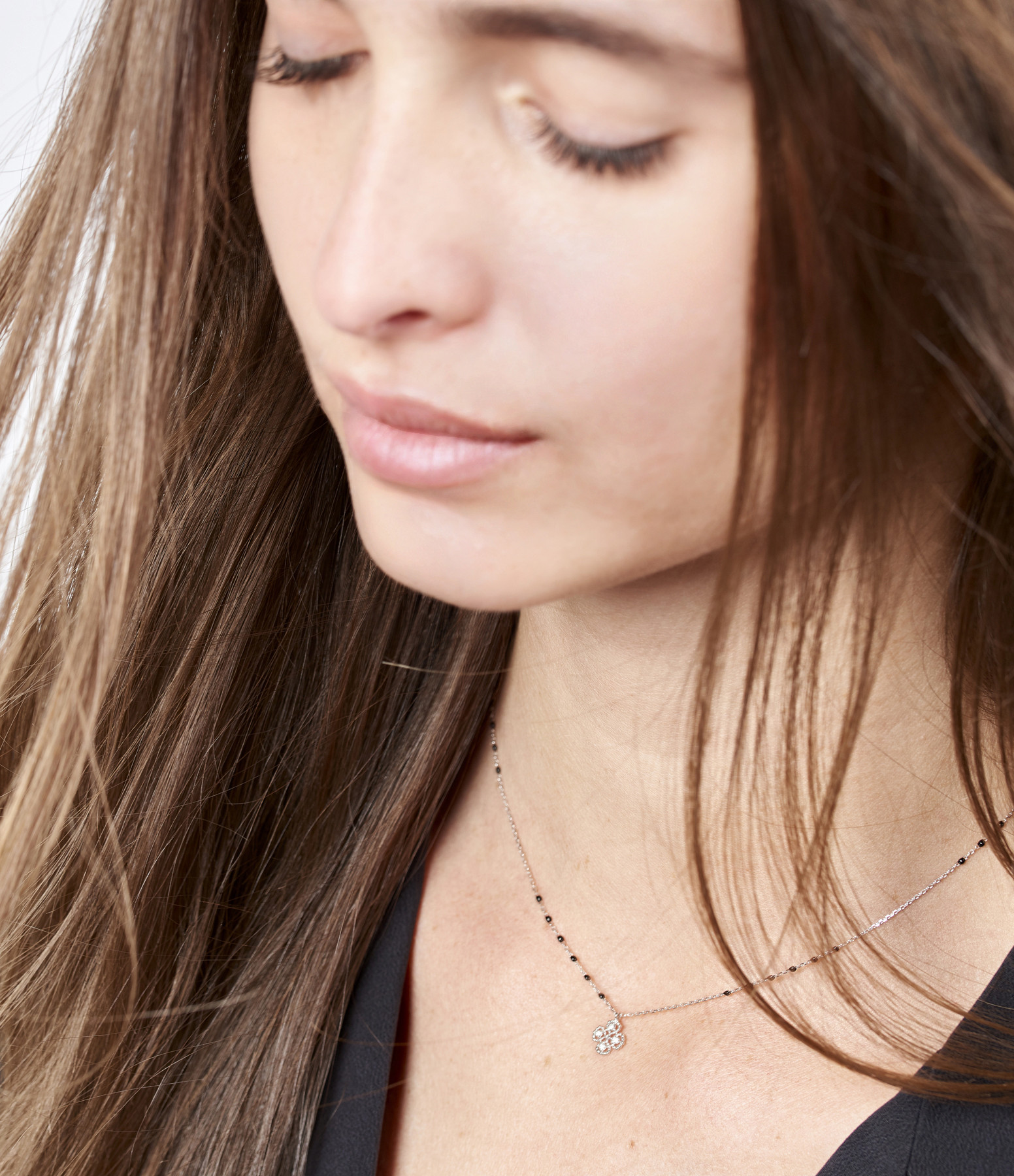 GIGI CLOZEAU - Collier Mini Perles Résine Trèfle Or gris