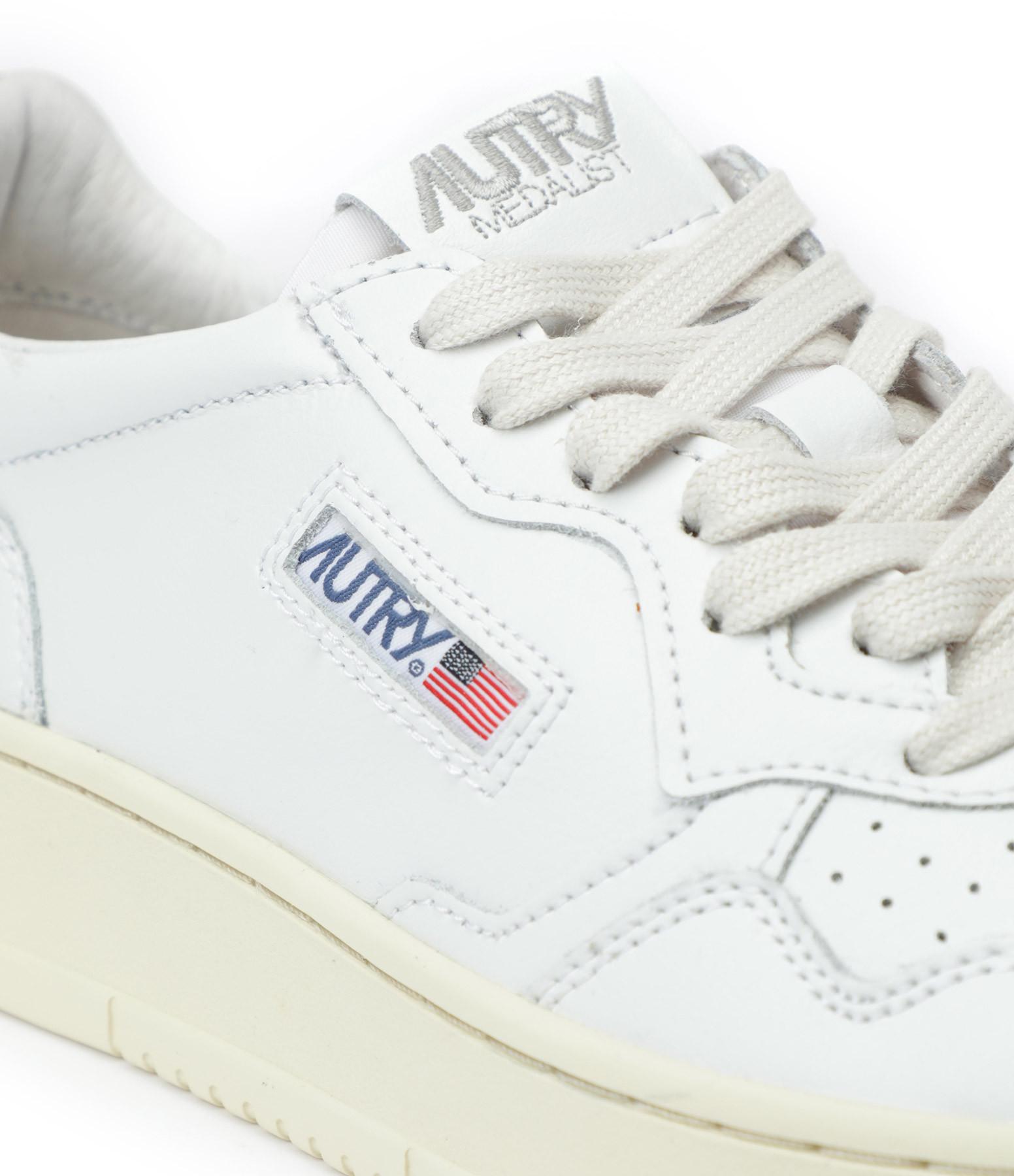 AUTRY - Baskets 01 Low Cuir Blanc Doré