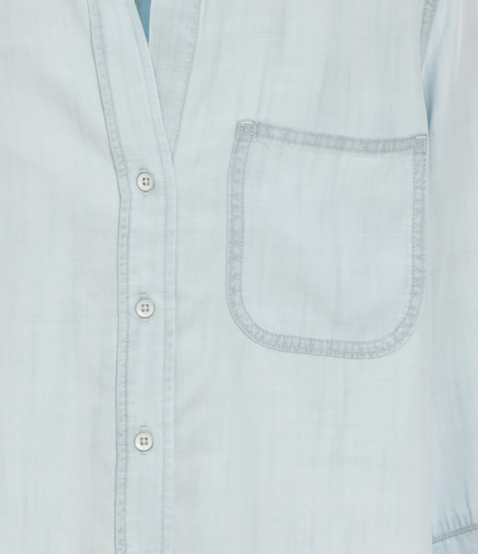 BELLA DAHL - Chemise Tail Button Down Desert Sky Wash