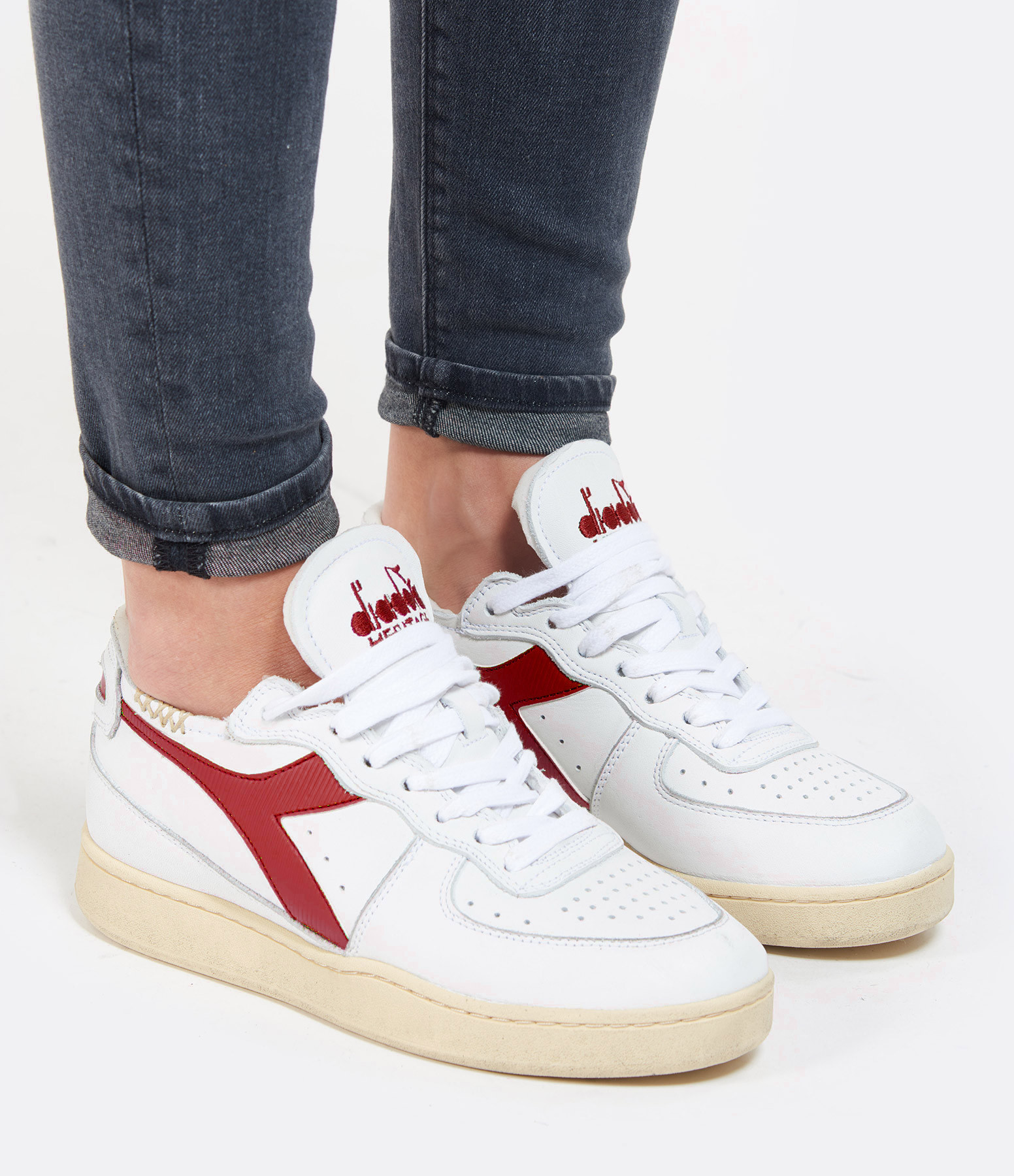 DIADORA - Baskets Mi Basket Row Cut Cuir Blanc Rouge