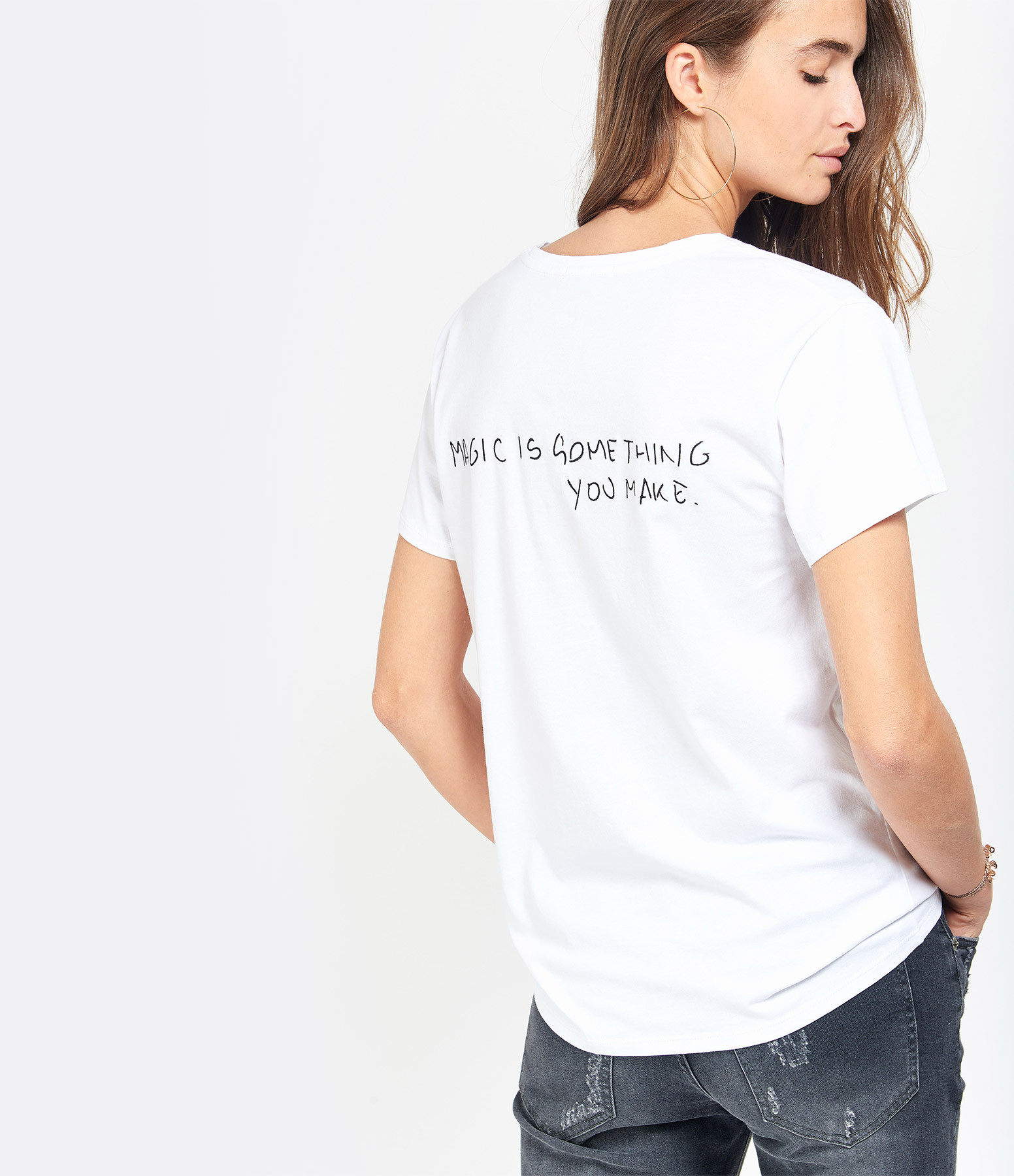 jeanne vouland tee shirt baria broderie magic is blanc. Black Bedroom Furniture Sets. Home Design Ideas