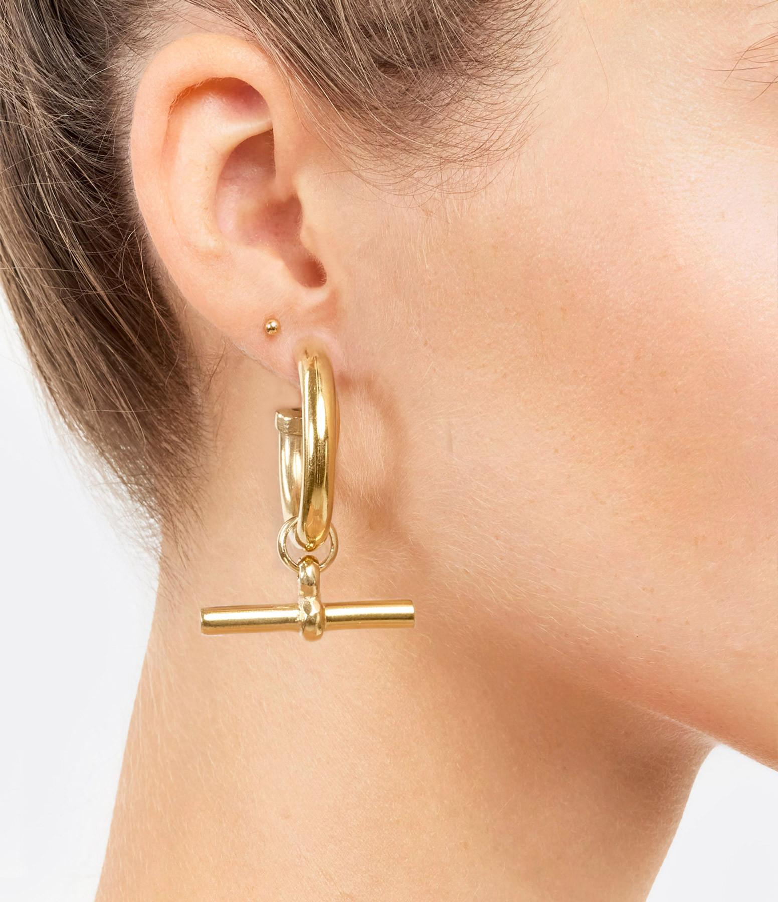 TILLY SVEAAS - Boucles d'oreilles T-Bar Large Plaqué Or