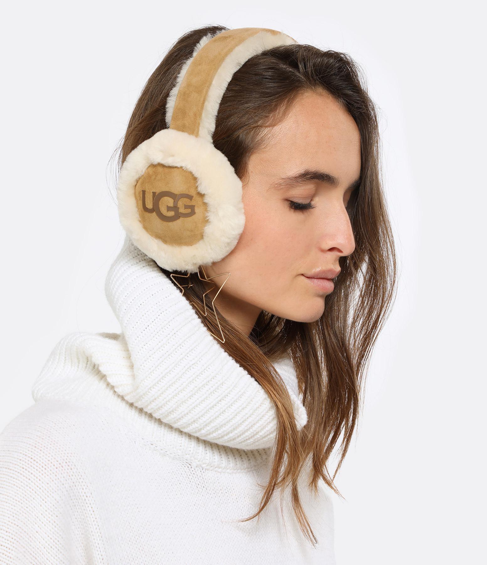 UGG - Cache-Oreilles Audios Chestnut