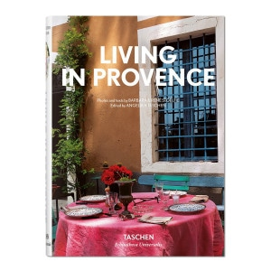 Livre Living in Provence